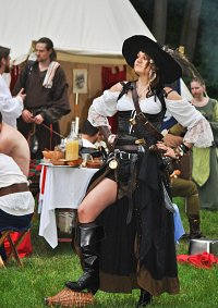 Cosplay-Cover: Captain Jeanne de Peudepi