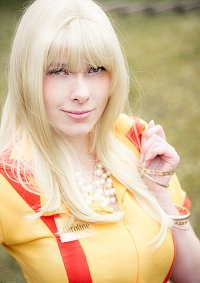 Cosplay-Cover: Caroline Wesbox Channing