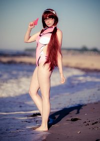 Cosplay-Cover: Mari (Swimsuit)