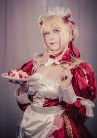 Cosplay-Cover: Nero (Maid Dress)