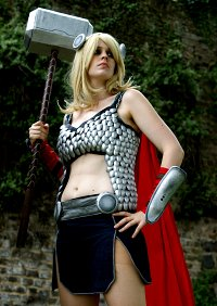 Cosplay-Cover: Thor Odinson [Female]