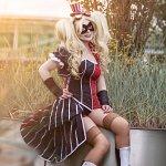 Cosplay: Harley Quinn [Alternate Victorian]