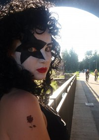 Cosplay-Cover: KISS – Paul Stanley (Female Version)