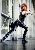 Cosplay-Cover: Lightning Aya Brea Outfit (Dissidia)