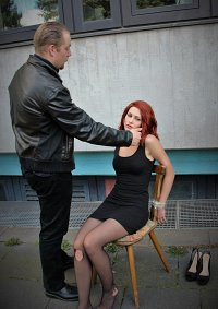 Cosplay-Cover: Black Widow / Natasha Romanov im Verhör