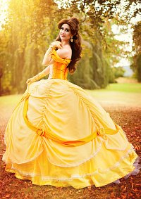 Cosplay-Cover: Belle [Park inspired Ballgown]