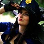 Cosplay: Caitlyn [Officer Skin]