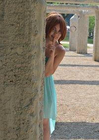 Cosplay-Cover: Fem!Italy im Kleid