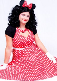 Cosplay-Cover: Minnie Maus (Red-White Polka Dots)