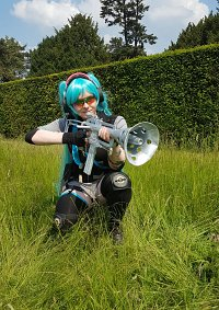 Cosplay-Cover: Miku Hatsune - Music Soldier