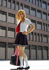 Cosplay-Cover: Akiko Ōhashi (Schuluniform)