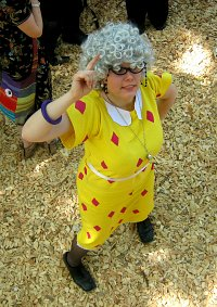 Cosplay-Cover: Ms. Finster (Disney's große Pause)
