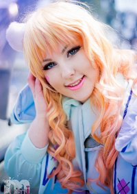 Cosplay-Cover: Sheryl Nome [White Bunny]