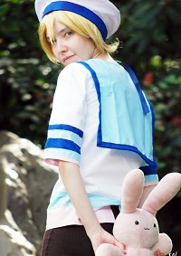 Cosplay-Cover: Mitsukuni Haninozuka (Sailor-Outfit)