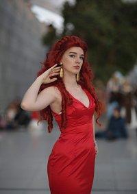 Cosplay-Cover: Kaori Kuromine (red Dress)