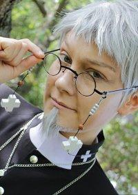 Cosplay-Cover: Shiro Fujimoto (Priest)