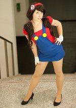 Cosplay-Cover: Super Mario (female version)