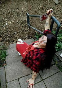 Cosplay-Cover: Nikki Bella (Zombie)