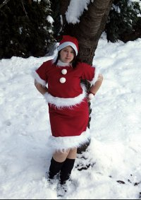 Cosplay-Cover: Kazuha (Weihnachtsoutfit)
