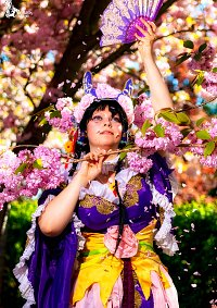 Cosplay-Cover: Purple Flower Goddess [Nardack]