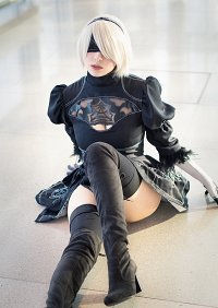 Cosplay-Cover: 2B (Dress)