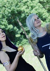 Cosplay-Cover: Artemis Godsschool