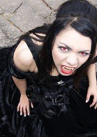 Cosplay-Cover: Vampir Braut