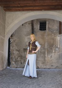 Cosplay-Cover: Eowyn ~ kicking orcs outfit