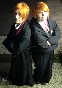 Cosplay-Cover: Fred Weasley [Schuluniform]