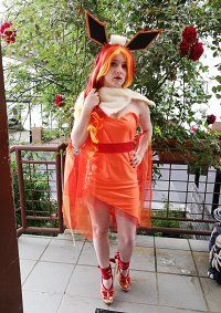 Cosplay-Cover: Flamara (Gijinka)