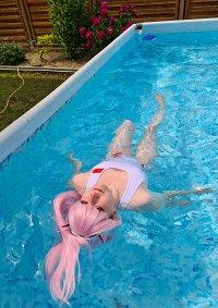 Cosplay-Cover: Zero Two (Swimsuit)