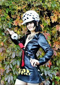 Cosplay-Cover: Trafalgar D. Water Law Female » Fanartversion