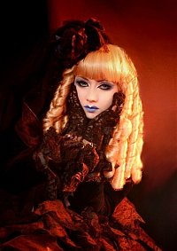 Cosplay-Cover: Black Lace Mana