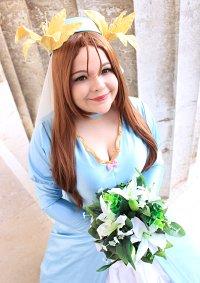 Cosplay-Cover: Yuri - Wedding Dress