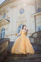 Cosplay-Cover: Belle [Ballkleid]