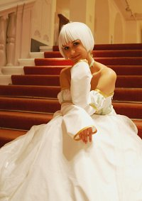 Cosplay-Cover: Sue [Ballkleid-Version]