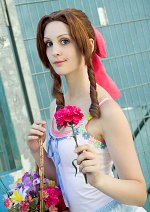 Cosplay-Cover: Aerith Gainsborough (Crisis Core)