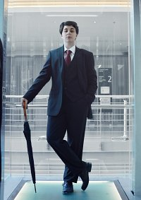 Cosplay-Cover: Mycroft Holmes » Black Suit