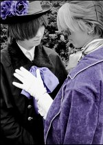 Cosplay-Cover: Ciel Phantomhive (schwarz-weißes Innencover, Band