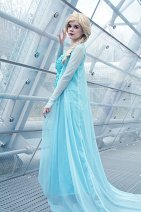 Cosplay-Cover: Elsa the Snow Queen of Arendelle