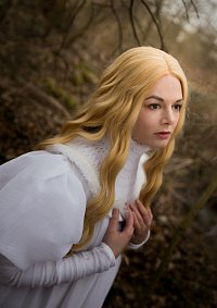 Cosplay-Cover: Edith [Nightgown]