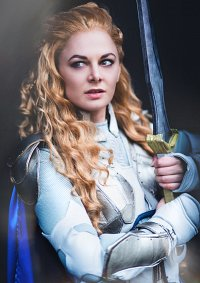 Cosplay-Cover: Blonde Valkyrie