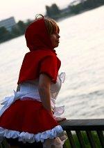 Cosplay-Cover: Sakura Kinomoto (Red Riding Hood)