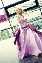 Cosplay-Cover: Lucy Heartphilia [Ball Gown]