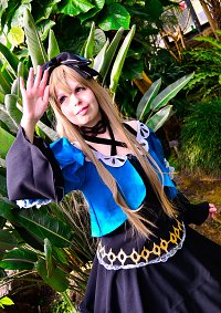 Cosplay-Cover: Alice Liddell (Versammlungsoutfit)
