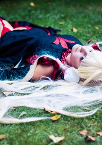 Cosplay-Cover: Freya (black Dress)