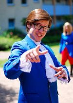 Cosplay-Cover: Austin Powers (blauer Anzug)