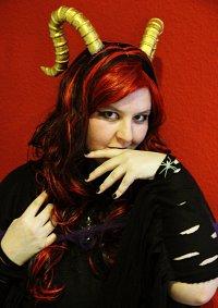 Cosplay-Cover: Dämonenfürstin