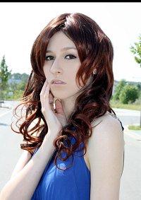 Cosplay-Cover: Isabella Swan (Twilight - Ballkleid)