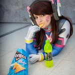 "Cosplay: Hana ""D.Va"" Song"